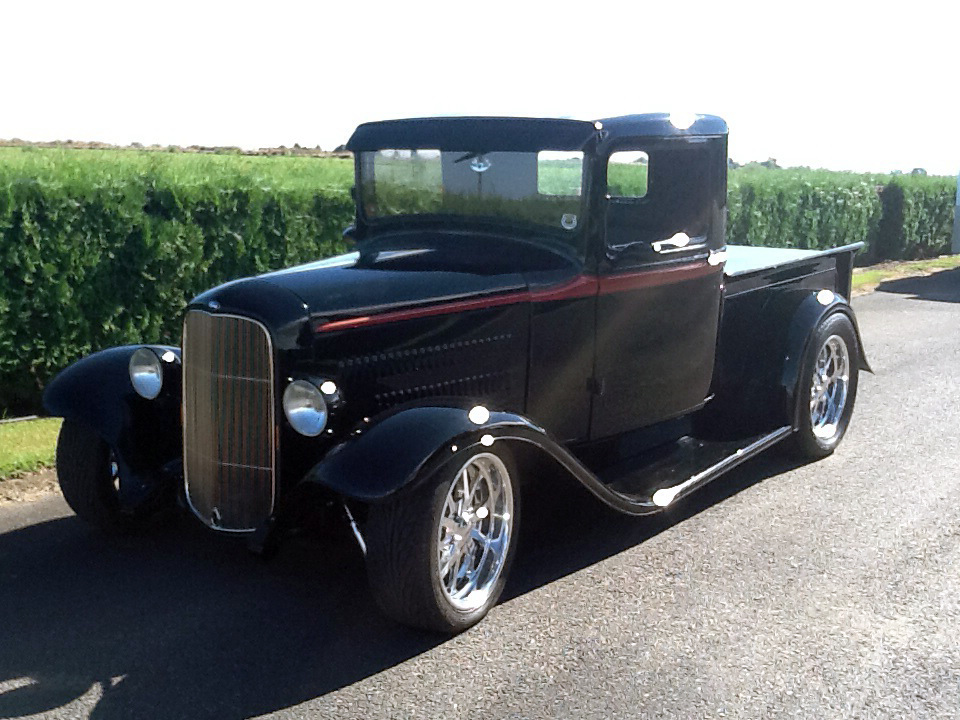 1934 FORD CUSTOM PICKUP - Front 3/4 - 181166