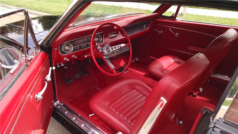 1965 FORD MUSTANG CUSTOM CONVERTIBLE - Interior - 181168