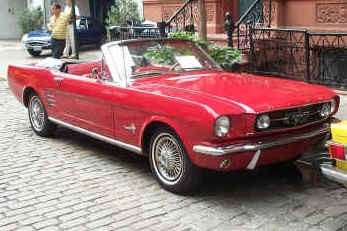 1966 FORD MUSTANG CONVERTIBLE - Front 3/4 - 18118