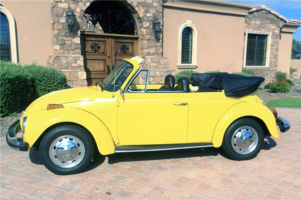 1976 VOLKSWAGEN BEETLE CONVERTIBLE - Side Profile - 181245