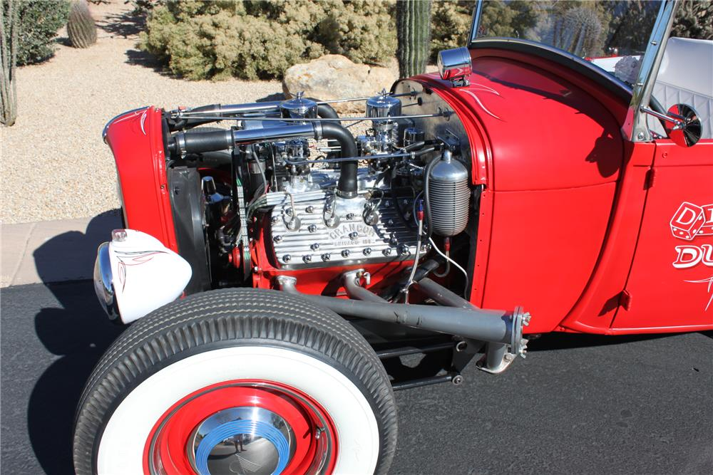 1932 FORD CUSTOM ROADSTER - Engine - 181257