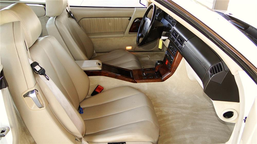 1994 MERCEDES-BENZ SL600 CONVERTIBLE - Interior - 181336