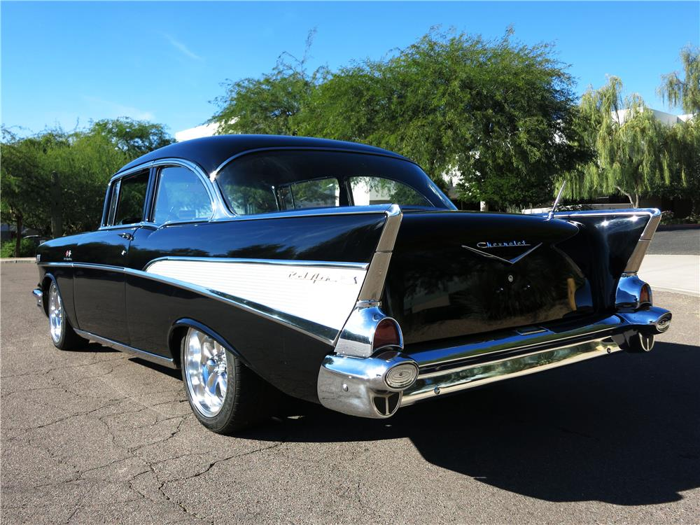 1957 CHEVROLET BEL AIR CUSTOM - Rear 3/4 - 181343