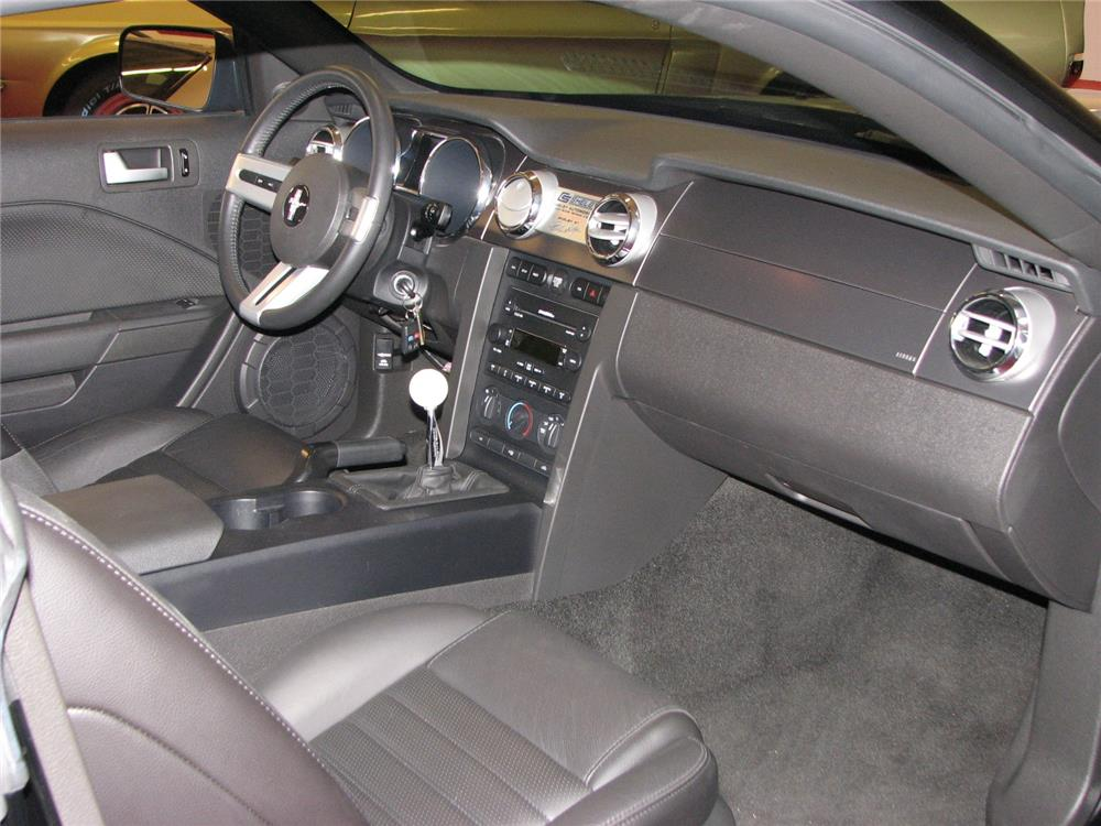 2007 SHELBY GT COUPE - Interior - 181347