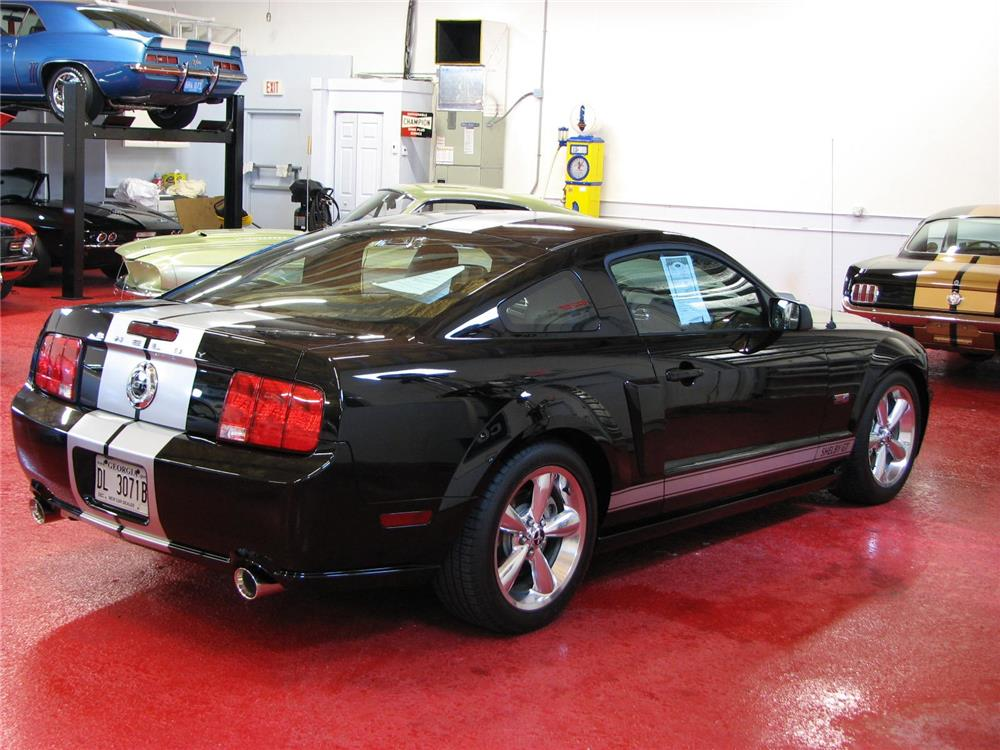 2007 SHELBY GT COUPE - Rear 3/4 - 181347