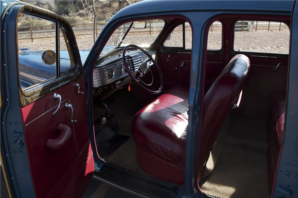 1947 NASH AMBASSADOR CUSTOM 4 DOOR SEDAN - Interior - 181369
