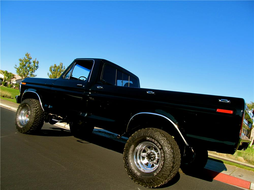 1978 FORD F-250 CUSTOM PICKUP - Rear 3/4 - 181385