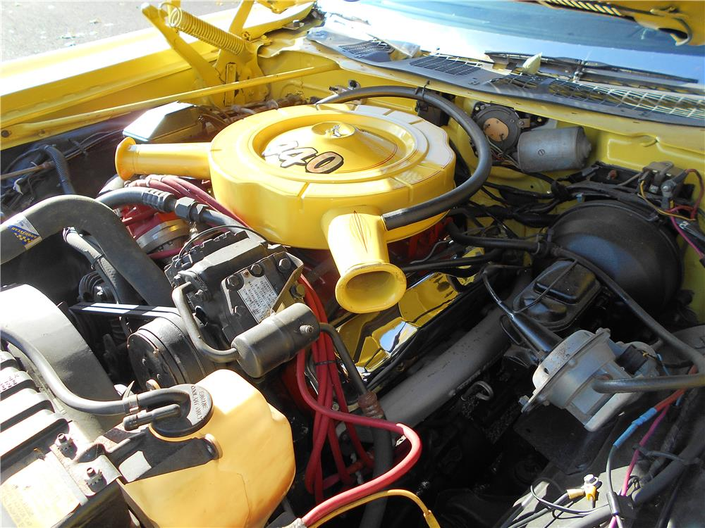 1971 CHRYSLER TOWN & COUNTRY STATION WAGON - Engine - 181387
