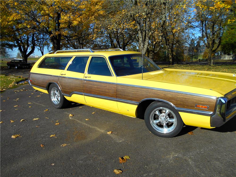 1971 Chrysler Town Amp Country Station Wagon 181387