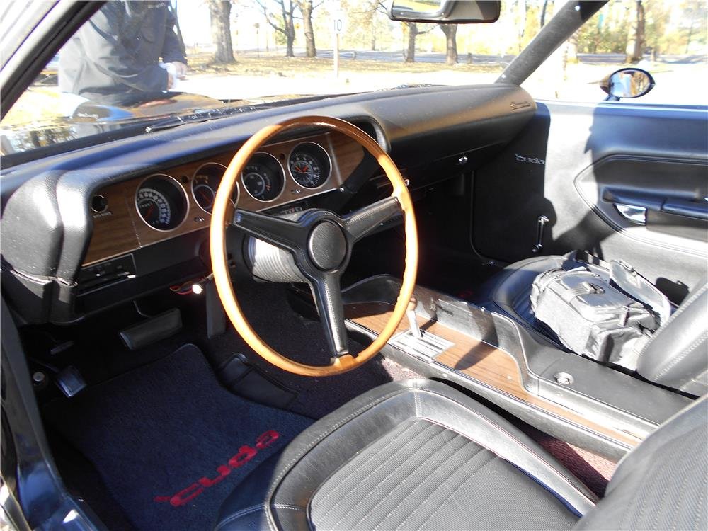 1970 PLYMOUTH 'CUDA CUSTOM - Interior - 181392