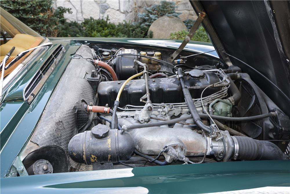 1970 MERCEDES-BENZ 280SL ROADSTER - Engine - 181401
