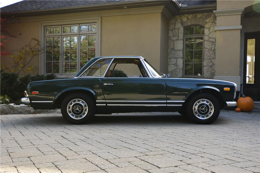 1970 MERCEDES-BENZ 280SL ROADSTER - Side Profile - 181401