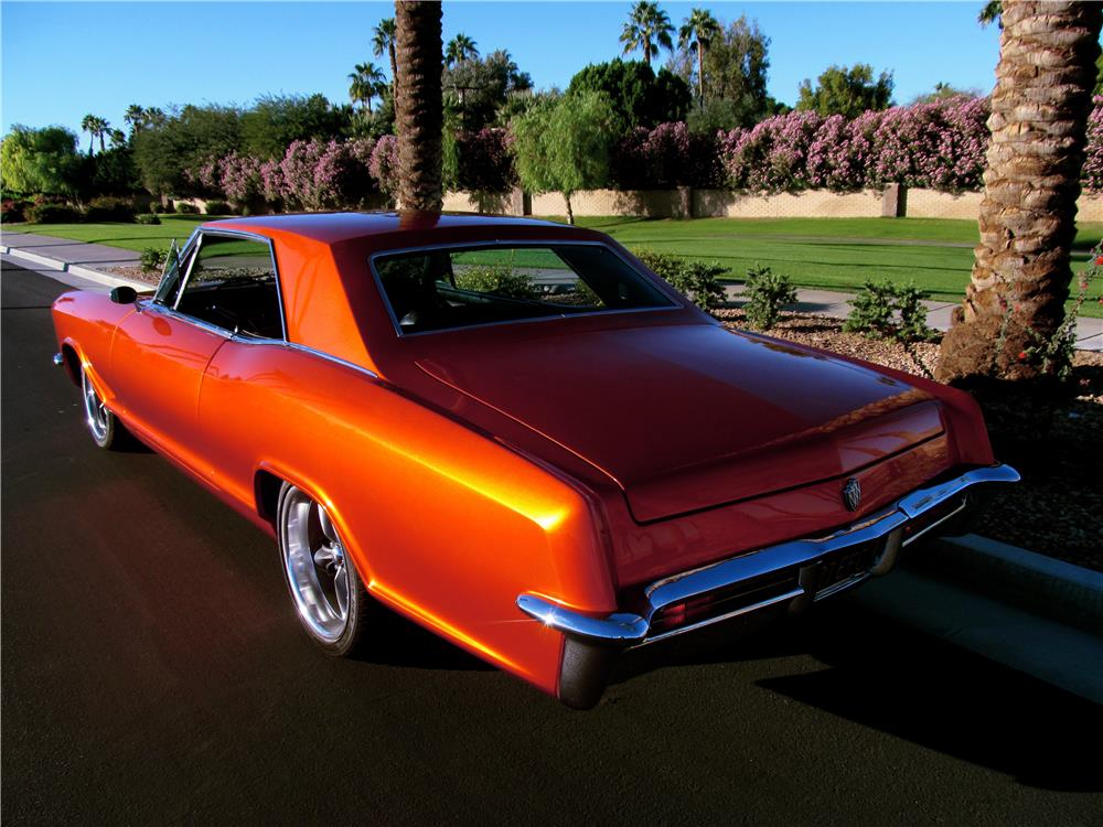 1965 BUICK RIVIERA CUSTOM - Rear 3/4 - 181408