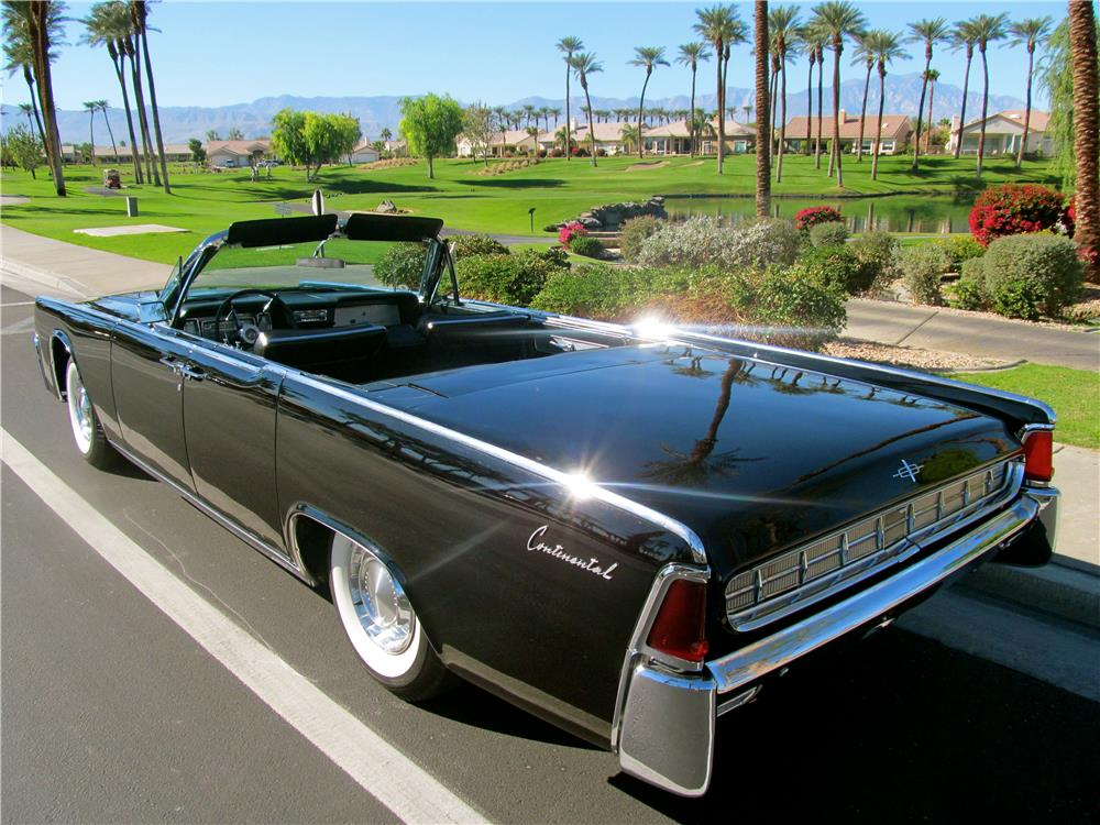 1963 LINCOLN CONTINENTAL 2 DOOR CONVERTIBLE - Rear 3/4 - 181416