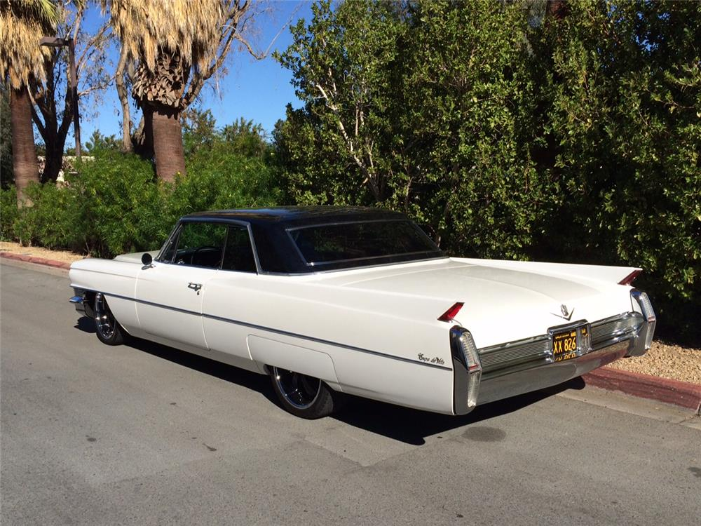 1964 CADILLAC DE VILLE CUSTOM COUPE - Rear 3/4 - 181438