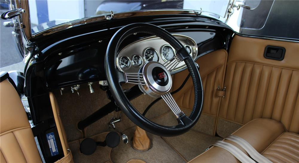 1932 FORD HI-BOY CUSTOM ROADSTER - Interior - 181441