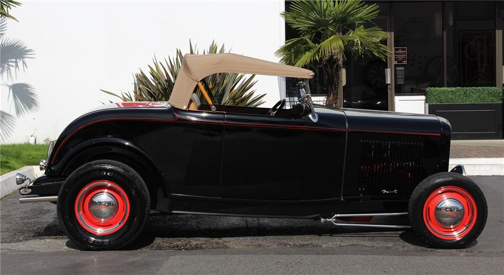 1932 FORD HI-BOY CUSTOM ROADSTER - Side Profile - 181441