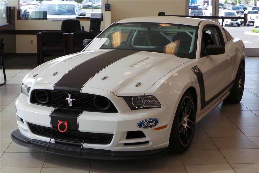 Lot #1265 2014 FORD MUSTANG BOSS 302 RACE CAR