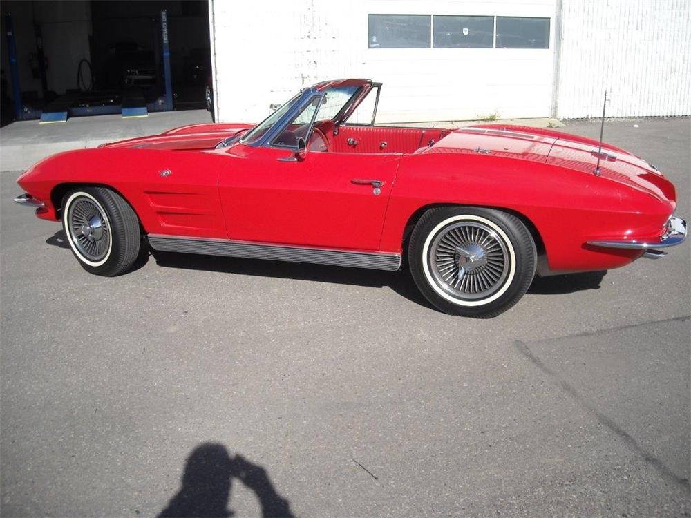 1963 CHEVROLET CORVETTE CONVERTIBLE - Side Profile - 181476