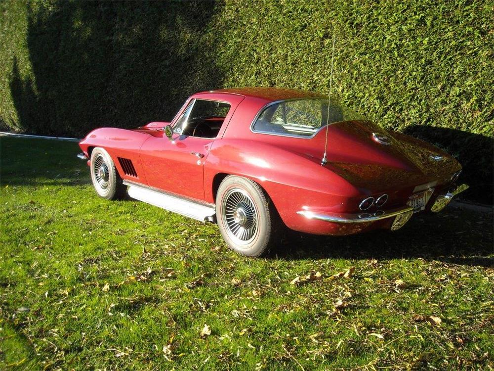 1967 CHEVROLET CORVETTE - Rear 3/4 - 181483