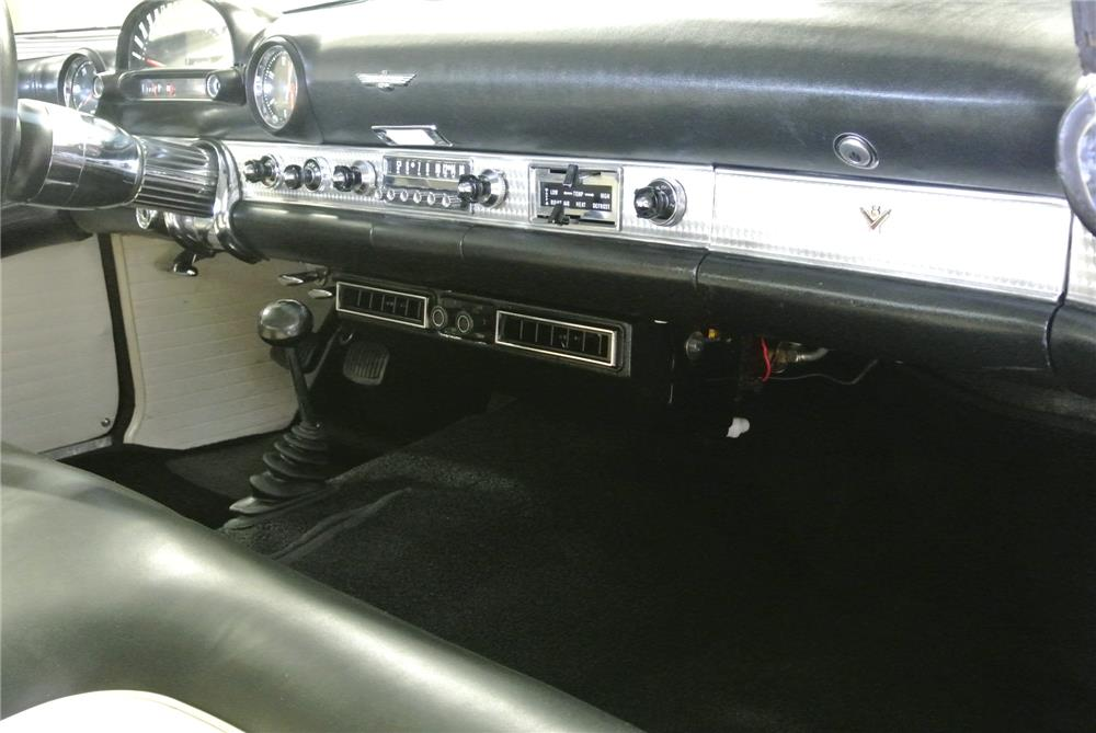1955 FORD THUNDERBIRD CONVERTIBLE - Interior - 181484