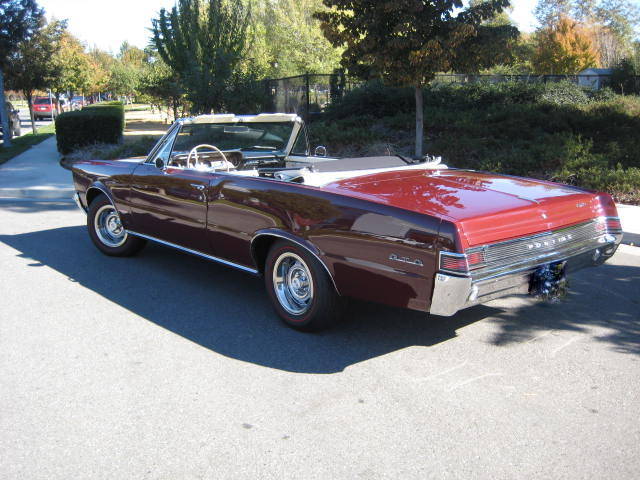 1965 PONTIAC GTO CONVERTIBLE - Rear 3/4 - 181486