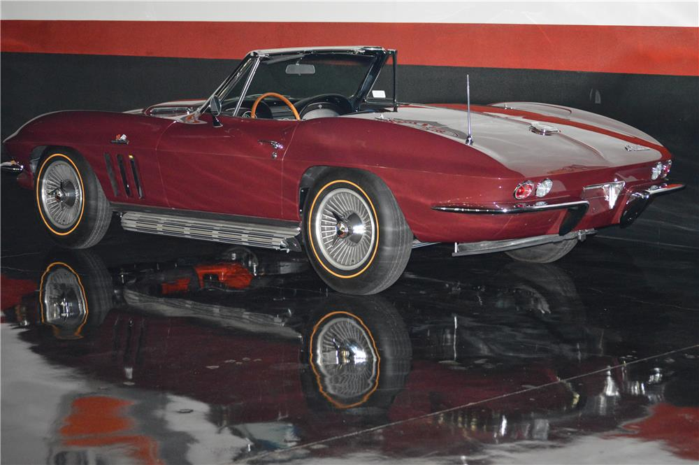 1965 CHEVROLET CORVETTE CONVERTIBLE - Rear 3/4 - 181499