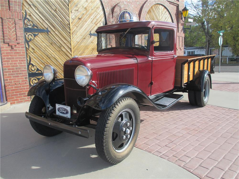 1932 FORD ONE-TON PICKUP - Front 3/4 - 181505