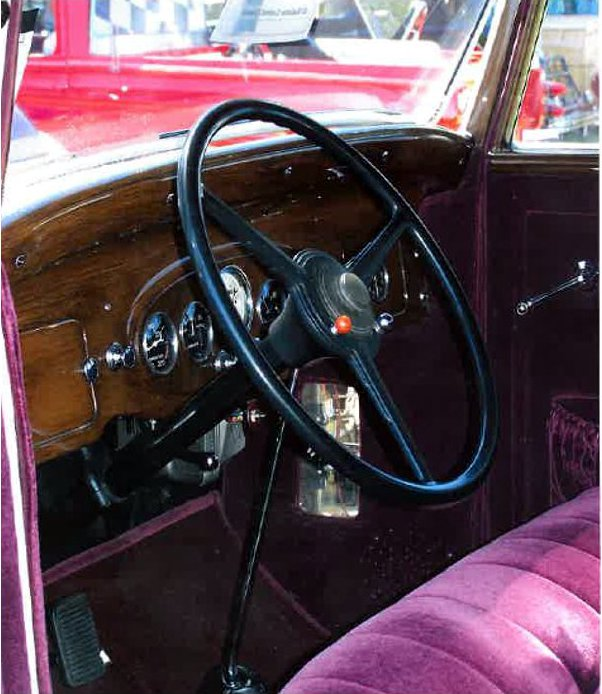 1932 PACKARD CUSTOM 4 DOOR SEDAN - Interior - 181521