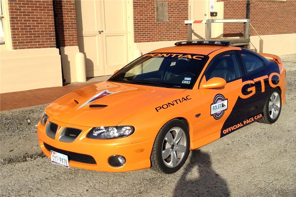 2005 PONTIAC GTO COUPE PACE CAR - Front 3/4 - 181528