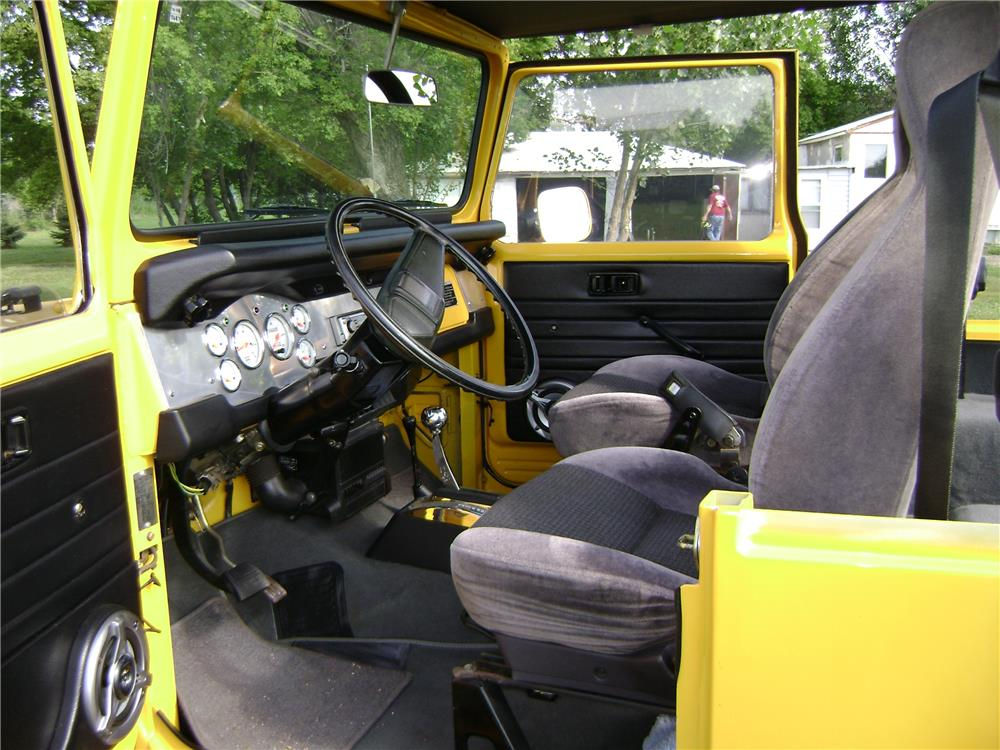 1977 TOYOTA LAND CRUISER FJ-40 CUSTOM SUV - Interior - 181532