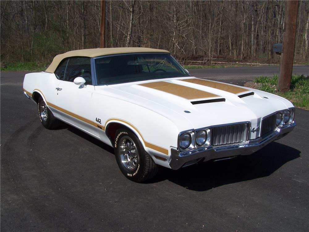 1970 OLDSMOBILE 442 W30 CONVERTIBLE - Front 3/4 - 181537