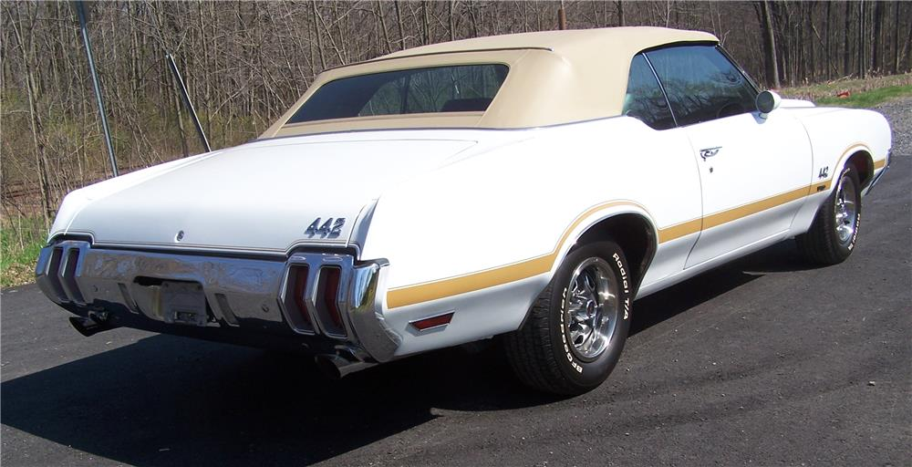 1970 OLDSMOBILE 442 W30 CONVERTIBLE - Rear 3/4 - 181537