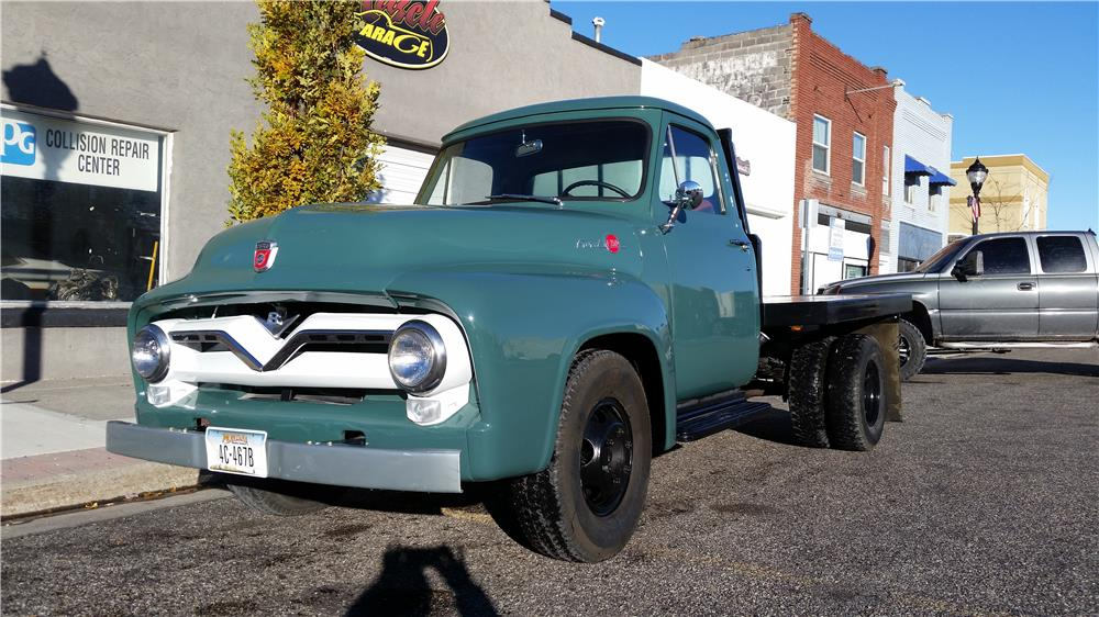 1955 FORD F-350 FLATBED TRUCK - Front 3/4 - 181541