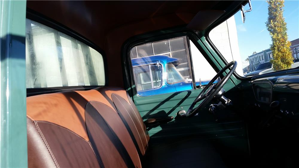 1955 FORD F-350 FLATBED TRUCK - Interior - 181541