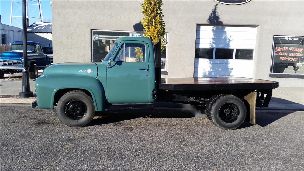 1955 FORD F-350 FLATBED TRUCK - Side Profile - 181541