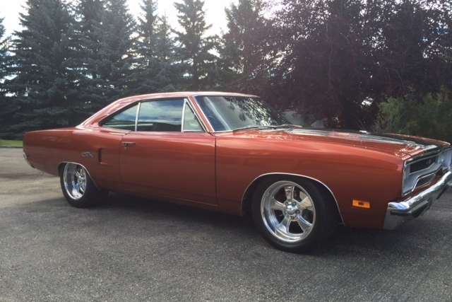 1970 PLYMOUTH GTX CUSTOM - Front 3/4 - 181557