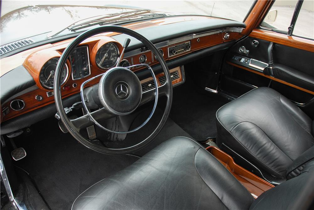 1967 MERCEDES-BENZ 600 SWB SEDAN - Interior - 181586