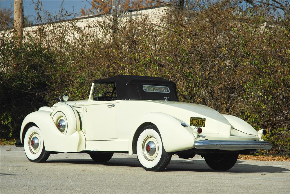 1939 PACKARD 12 BOATTAIL SPEEDSTER - Rear 3/4 - 181588