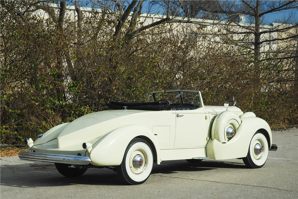 1939 PACKARD 12 BOATTAIL SPEEDSTER - Side Profile - 181588