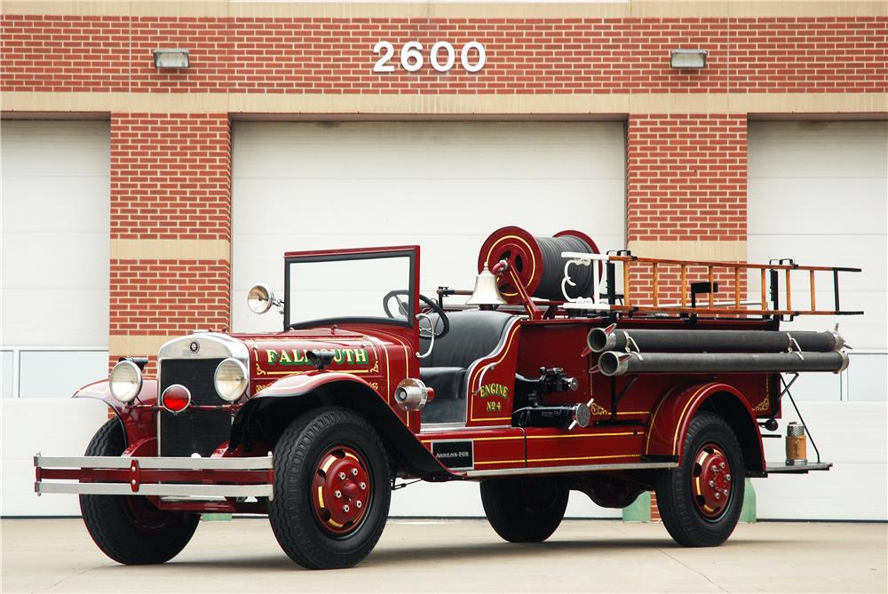1930 AHRENS FOX MODEL V FIRE TRUCK - Front 3/4 - 181591