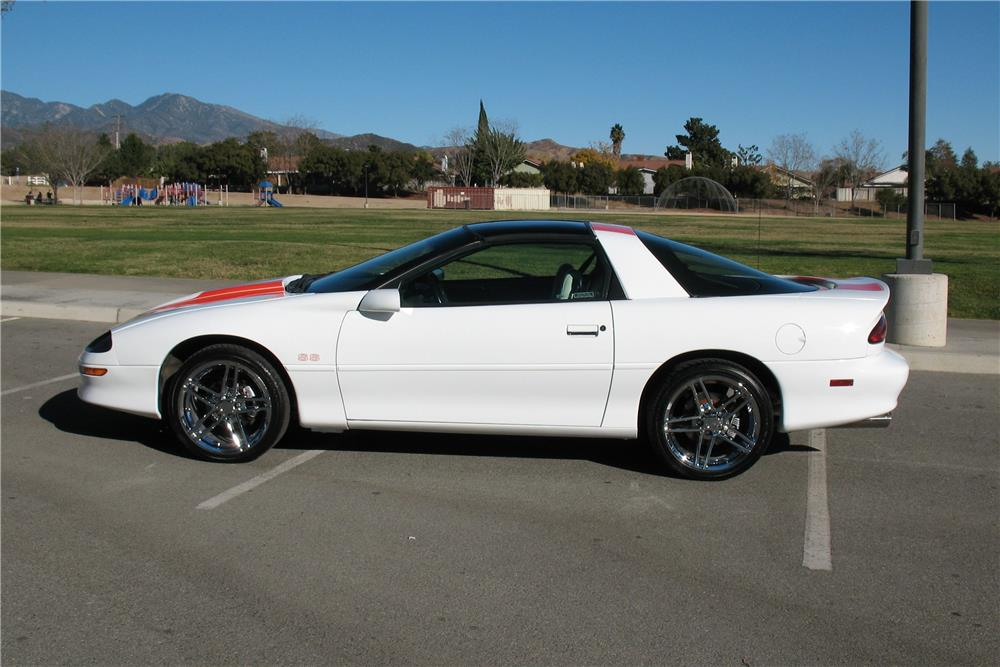 1997 CHEVROLET CAMARO Z/28 SS - Side Profile - 181655