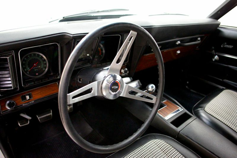 1969 CHEVROLET CAMARO Z/28 RS - Interior - 181668