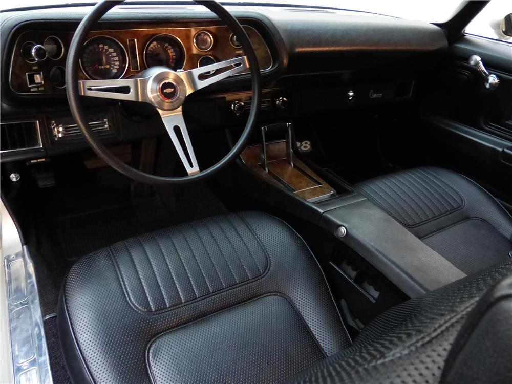 1970 CHEVROLET CAMARO Z/28 RS - Interior - 181676
