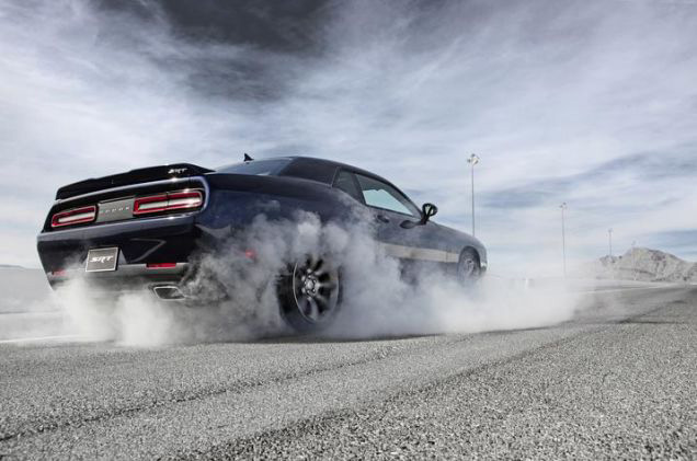 2015 DODGE CHALLENGER SRT HELLCAT - Rear 3/4 - 181700