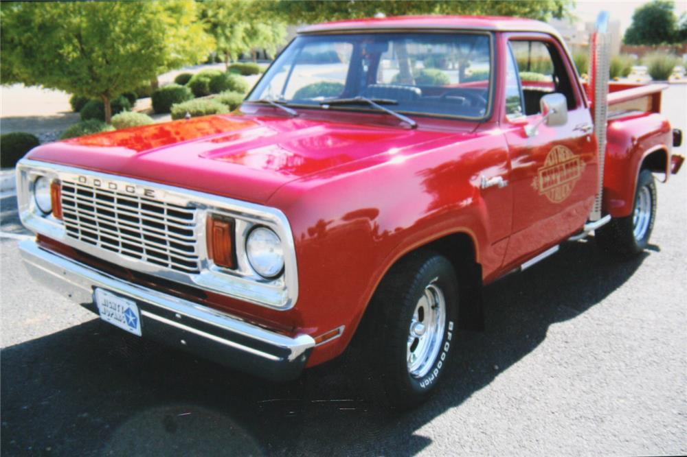 1978 DODGE LIL RED EXPRESS PICKUP - Front 3/4 - 181707