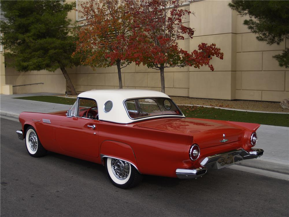 1957 FORD THUNDERBIRD CONVERTIBLE - Rear 3/4 - 181726