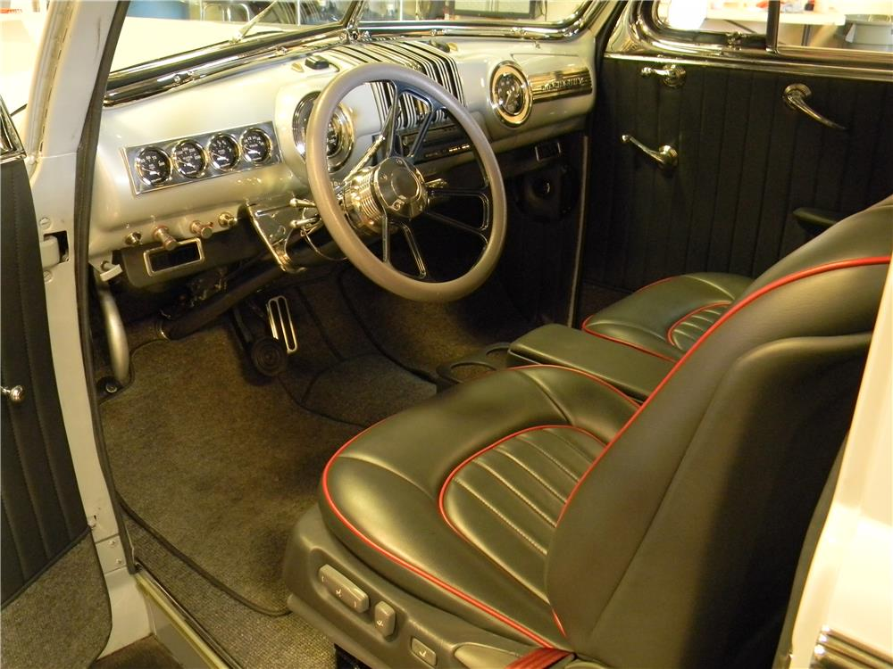 1947 MERCURY CUSTOM - Interior - 181729