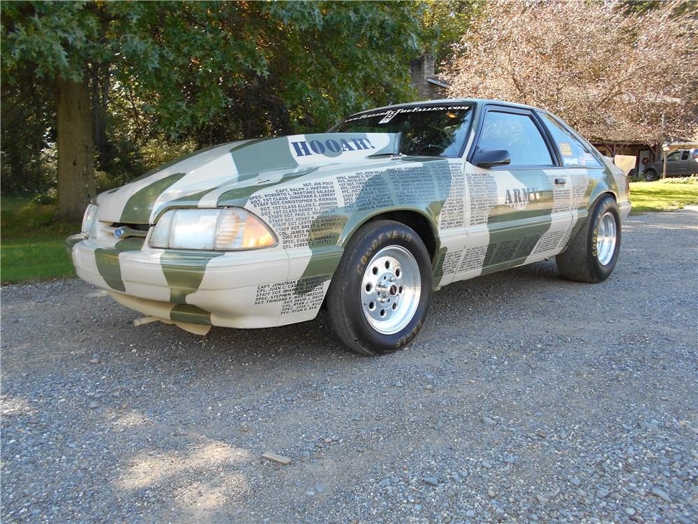 1992 FORD MUSTANG CUSTOM - Front 3/4 - 181739