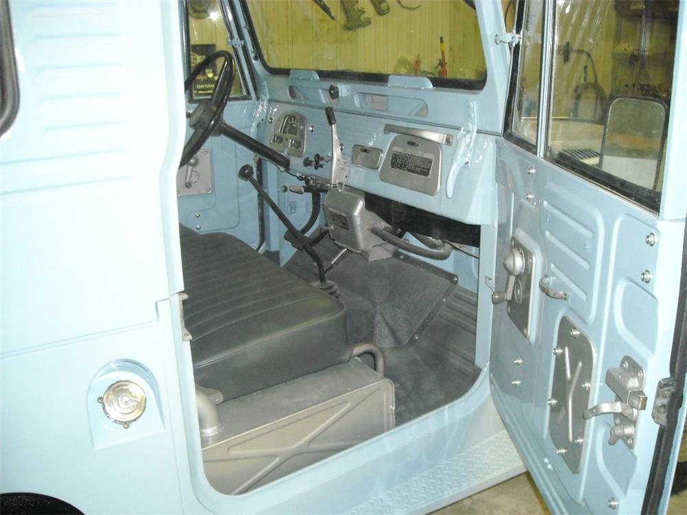1966 TOYOTA LAND CRUISER FJ-40 SUV - Interior - 181745
